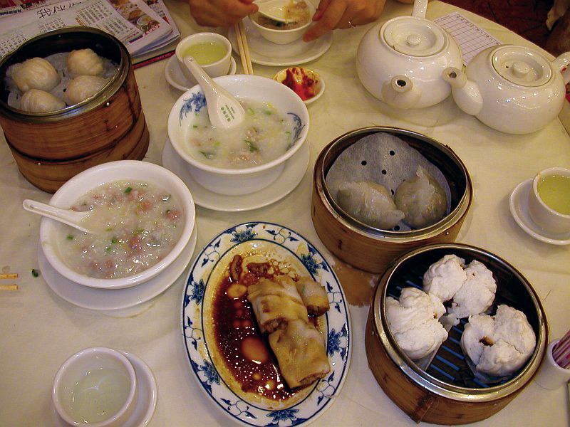 Dimsum_breakfast_in_Hong_Kong